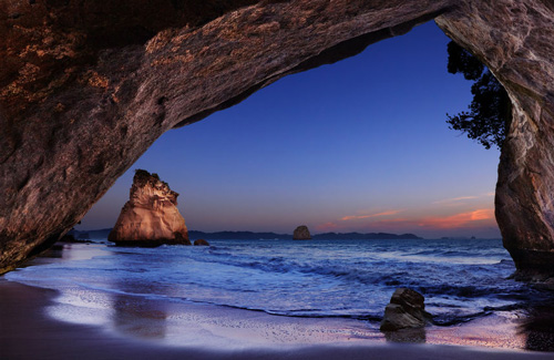 Cathedral Cove, Coromandel Peninsula, New Zealand.