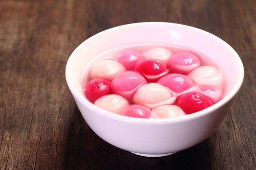 Traditional Chinese sweet rice balls
